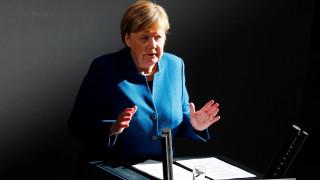 Μέρκελ για Brexit: Προετοιμαζόμαστε και για το ενδεχόμενο εξόδου χωρίς συμφωνία