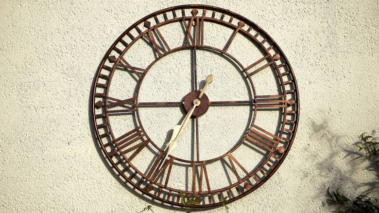 Αλλαγή ώρας: Θα γυρίσουν οι δείκτες των ρολογιών μία ώρα πίσω;
