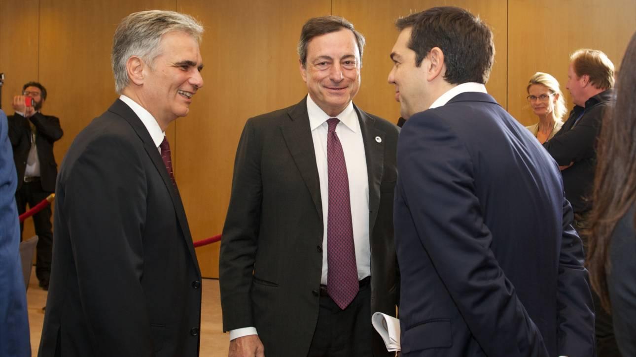 Συνάντηση Τσίπρα με Ντράγκι: Το ελληνικό ομόλογο αποσυνδέεται από το ιταλικό