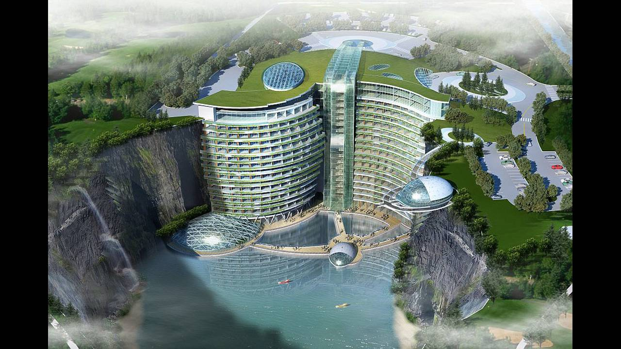 https://cdn.cnngreece.gr/media/news/2018/10/19/151315/photos/snapshot/Groundscraper-Hotel-Shimao-Shanghai_1.jpg