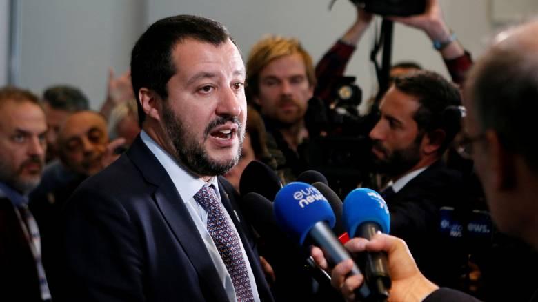 Σαλβίνι: Η ιταλική κυβέρνηση θα προχωρήσει κόντρα στους οίκους αξιολόγησης και τους Ευρωπαίους