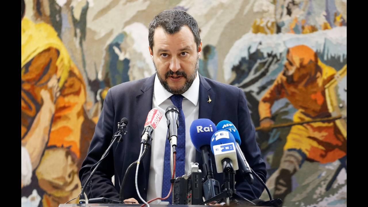 https://cdn.cnngreece.gr/media/news/2018/10/20/151410/photos/snapshot/2018-09-27T115710Z_90028375_RC1369AD1CE0_RTRMADP_3_TUNISIA-ITALY-SALVINI.jpg