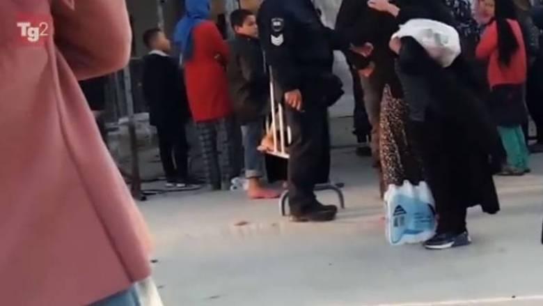Μόρια: Για το φαγητό διαμαρτυρήθηκε η γυναίκα από τη Συρία- «Με έφτυσε», λέει ο αστυνομικός