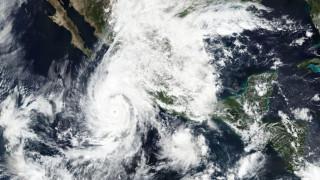Ο τυφώνας Ουίλα απειλεί τις ακτές του Μεξικού στον Ειρηνικό