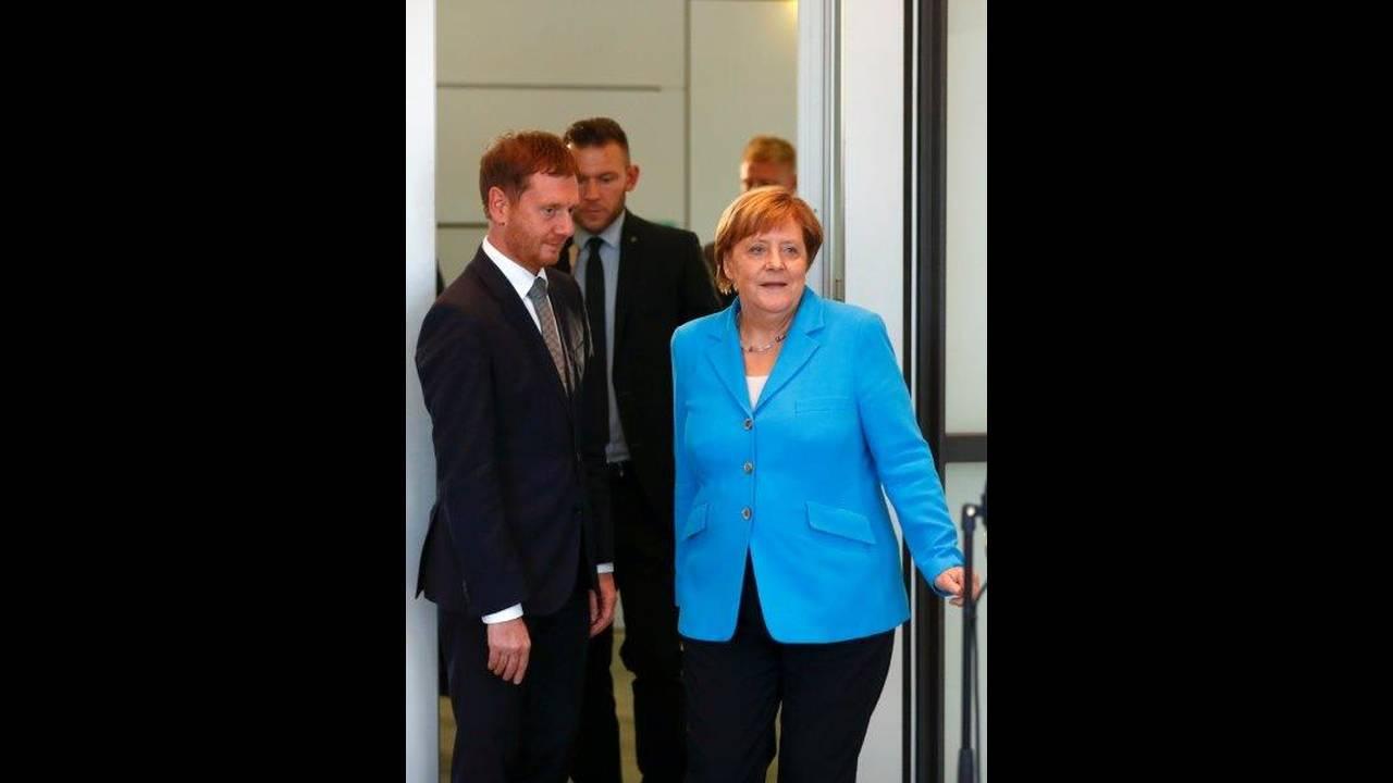 https://cdn.cnngreece.gr/media/news/2018/10/22/151598/photos/snapshot/2018-08-16T165837Z_2020716625_RC1C283D4D70_RTRMADP_3_GERMANY-MERKEL-STATEMENT.jpg