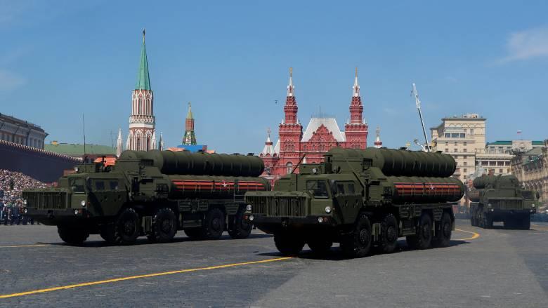 Διεθνείς τριγμοί από την απόσυρση των ΗΠΑ από τη συμφωνία με τη Ρωσία για τα πυρηνικά