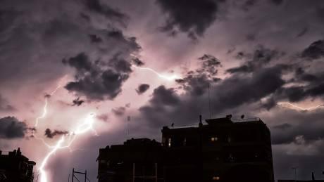 Κακοκαιρία: Πάνω από 20.000 κεραυνούς έχει ήδη προκαλέσει ο «Ορέστης»
