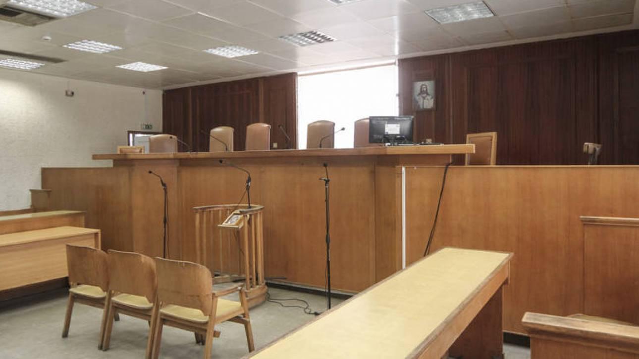 Κλειστά δικαστήρια και εισαγγελίες την Πέμπτη λόγω απεργίας