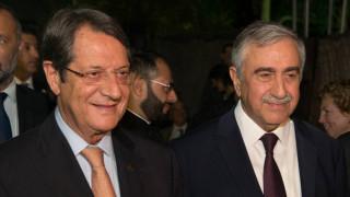 Εθνικό Συμβούλιο στην Κύπρο πριν τη συνάντηση Αναστασιάδη - Ακκιντζί