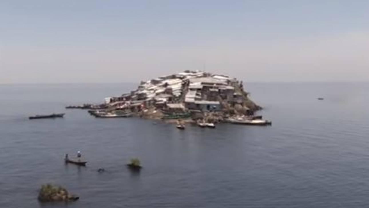Μιγκίνγκο: «Πόλεμος» για το μικροσκοπικό νησί όπου ζουν «στοιβαγμένοι» 500 κάτοικοι