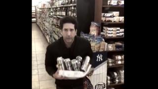 Ο Ρος από τα «Φιλαράκια» έκλεψε μπύρες από σούπερ μάρκετ στην Αγγλία, ή μήπως όχι;