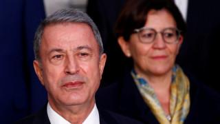 «Απαιτούμε σεβασμό στις διεθνείς Συνθήκες»: Αντίδραση Ακάρ για αμερικανικές βάσεις στην Ελλάδα