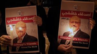 Τζαμάλ Κασόγκι: Διαμαρτυρία με κεριά από φίλους και συνεργάτες του στην Κωνσταντινούπολη