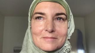 Περήφανη μουσουλμάνα: η Sinead O' Connor ασπάστηκε το Ισλάμ
