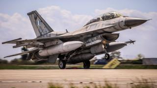 Εικονικές αερομαχίες με οπλισμένα τουρκικά μαχητικά πάνω από το Αιγαίο