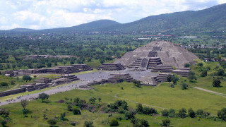 Αρχαία σήραγγα κάτω από την Πυραμίδα της Σελήνης στο Μεξικό