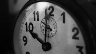 Αλλαγή ώρας: Τα ξημερώματα γυρνάμε τους δείκτες των ρολογιών μία ώρα πίσω