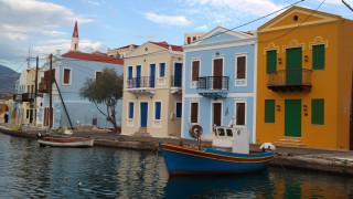 H Τουρκία αποκλείει το Καστελόριζο με νέα NAVTEX