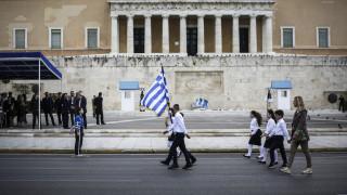 Μικροεπεισόδιο στη μαθητική παρέλαση της Αθήνας
