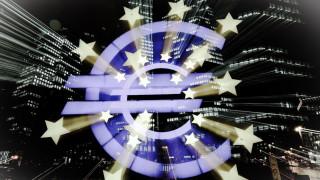 Η οικονομία της Ευρώπης βάλλεται από παντού: Τι απειλεί την ανάπτυξη της ευρωζώνης