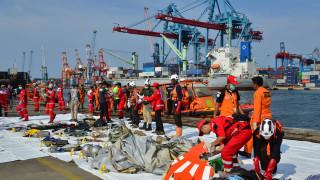 Συντριβή αεροσκάφους Ινδονησία: «Πιθανότατα νεκροί» όλοι οι επιβαίνοντες, εκτιμούν οι Αρχές