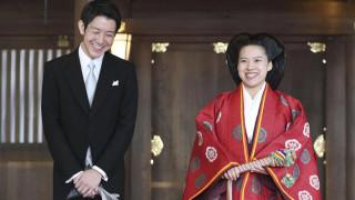 Ιαπωνία: Η πριγκίπισσα Αγιάκο παντρεύτηκε με τον αγαπημένο της και απαρνήθηκε τον τίτλο της