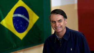 Βραζιλία: Ο Μπολσονάρου διαμηνύει ότι δεν θα δίνεται κρατική διαφήμιση στα ΜΜΕ που «λένε ψέματα»