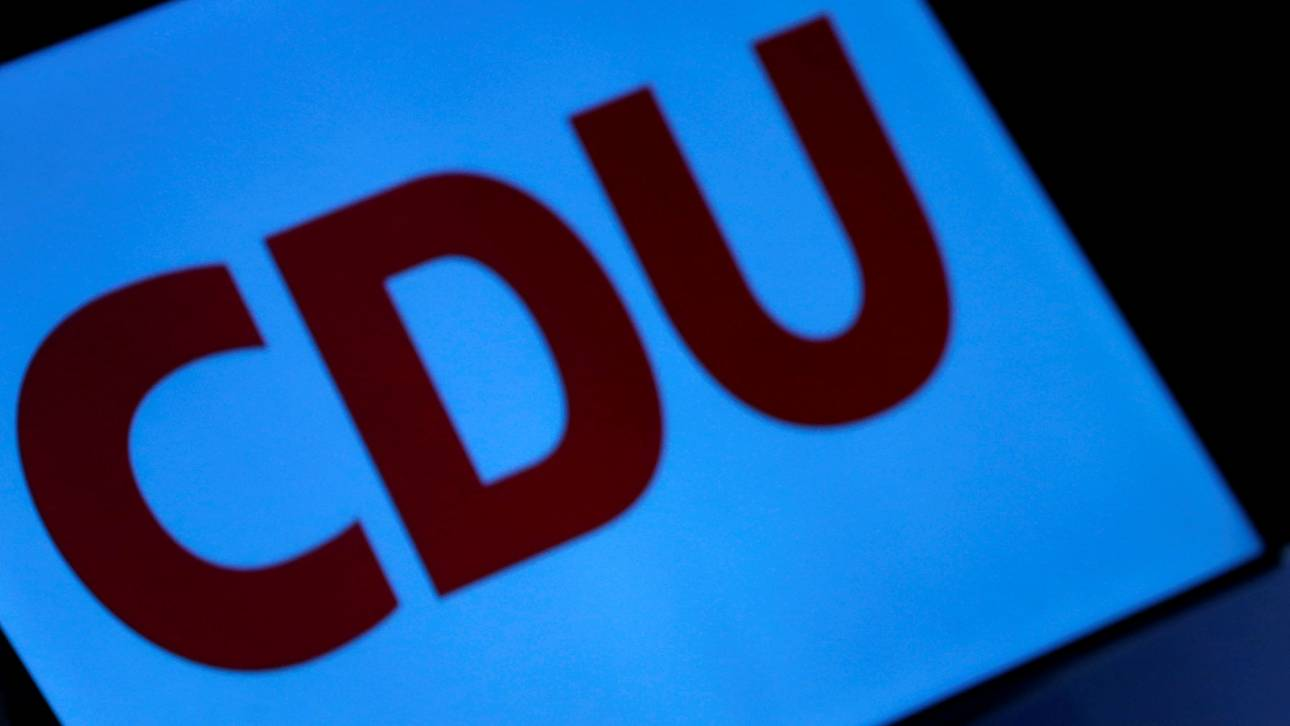 Δύο «μνηστήρες» για τη θέση της Μέρκελ ζητούν απευθείας εκλογή του προέδρου από τα μέλη του CDU