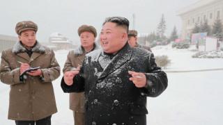 H… επανεμφάνιση του Κιμ: Μετά από 19 μέρες απουσίας έκανε βόλτα στα χιόνια