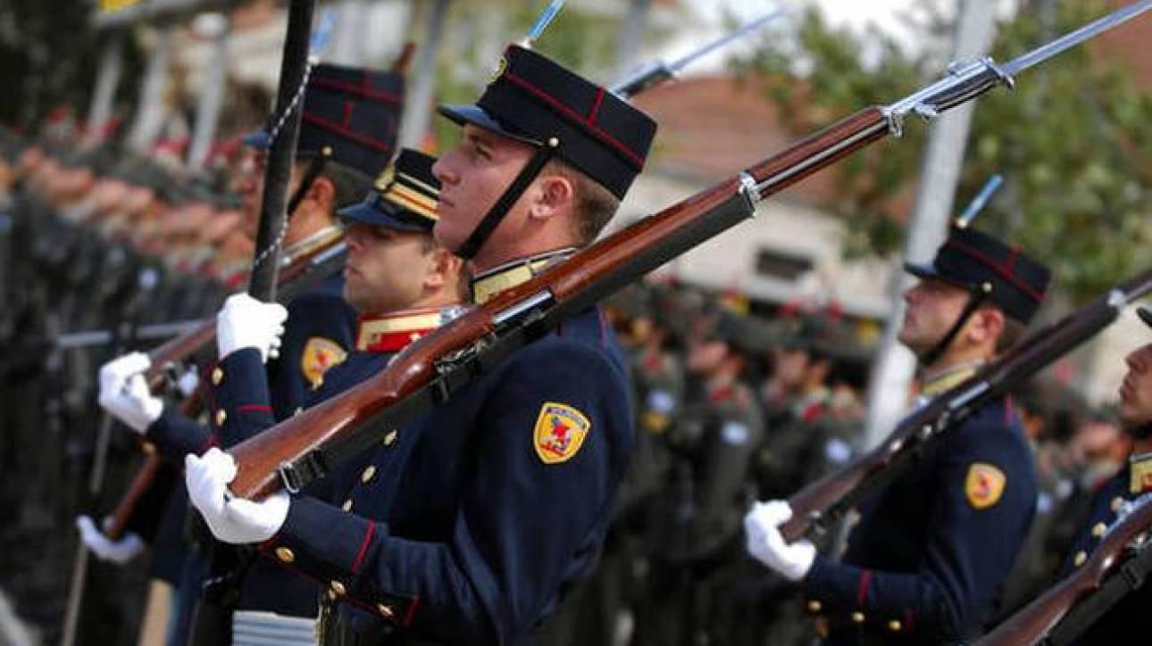 Αναδρομικά ενστόλων-στρατιωτικών: Πότε μπαίνουν τα χρήματα στην τράπεζα