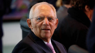 Σόιμπλε: Με κατηγόρησαν ότι παραήμουν γενναιόδωρος με την Ελλάδα