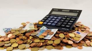 «Fast track» η επιστροφή φόρου εισοδήματος και ΦΠΑ έως 10.000 ευρώ
