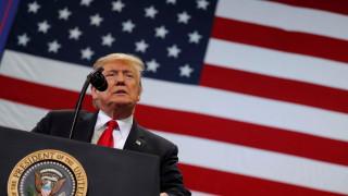 Τραμπ: «Εχθρός του λαού» τα ΜΜΕ για το ένα τρίτο των Αμερικανών