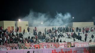 Παναχαϊκή - Ολυμπιακός: Ένταση και χημικά στο γήπεδο την ώρα του αγώνα
