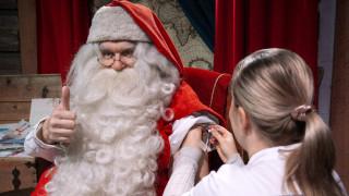 Χριστούγεννα 2018: Ο Άγιος Βασίλης έκανε αντιγριπικό εμβόλιο και ξεκίνησε τις προσλήψεις ξωτικών!