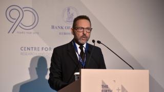 Στουρνάρας: Ξανά στο επίκεντρο η ανεξαρτησία των κεντρικών τραπεζών