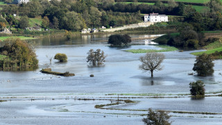 Βρετανία: Εκατομμύρια θύματα φυσικών καταστροφών δεν λαμβάνουν καμία βοήθεια
