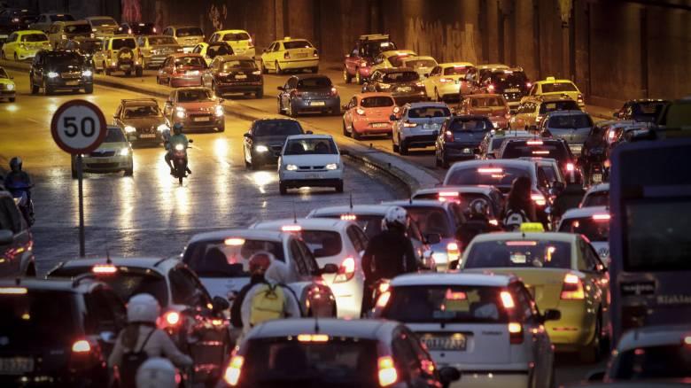 Κυκλοφοριακό κομφούζιο στη λεωφόρο Κηφισίας λόγω του ντέρμπι Παναθηναϊκός-ΑΕΚ