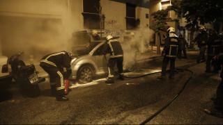 Θεσσαλονίκη: Όχημα προσέκρουσε σε κράσπεδο και έπιασε φωτιά - Δύο τραυματίες