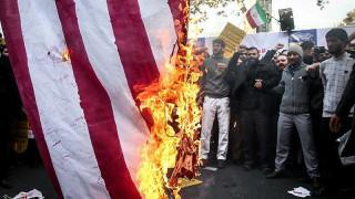 Οργή στο Ιράν για την επαναφορά των αμερικανικών κυρώσεων