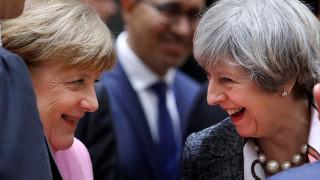 Sunday Times: Συμφωνία Μέι-Ε.Ε. για το Brexit