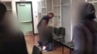 Άγριος καυγάς καθηγητή με μαθητή στις ΗΠΑ: Πιάστηκαν στα χέρια μπροστά σε όλη την τάξη