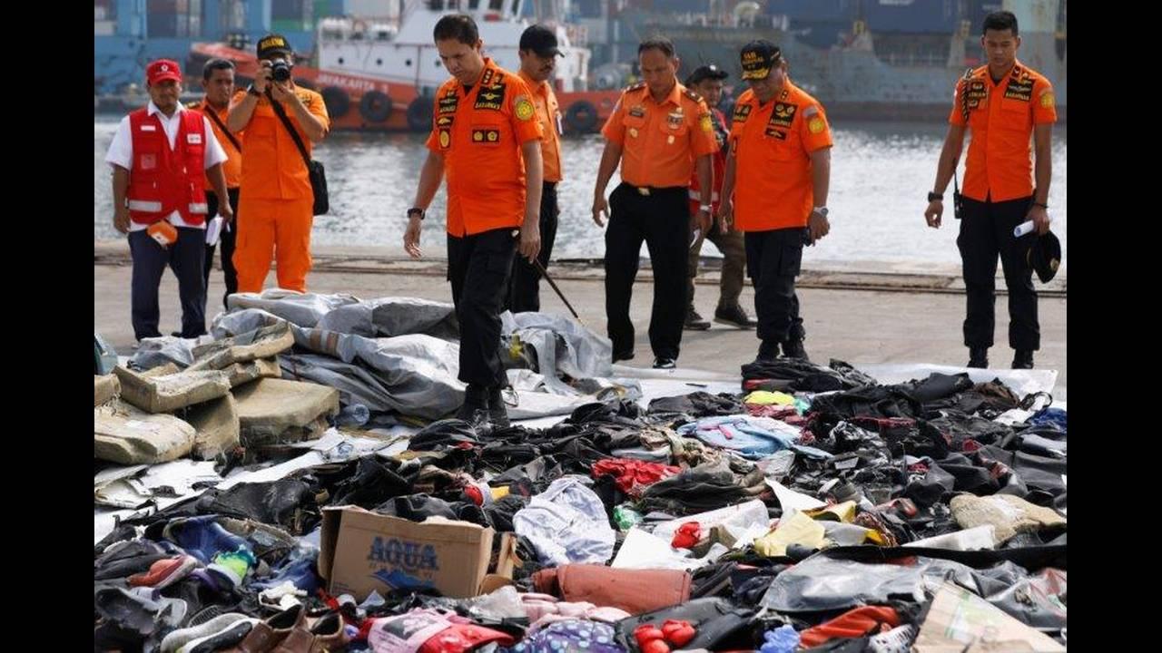 https://cdn.cnngreece.gr/media/news/2018/11/05/153465/photos/snapshot/2018-10-30T020359Z_126822049_RC1AA0251200_RTRMADP_3_INDONESIA-CRASH.jpg