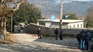 Αποστολή CNN Greece - Κηδεία Κατσίφα:  «Είμαστε μόνοι» - Κραυγή αγωνίας των ομογενών