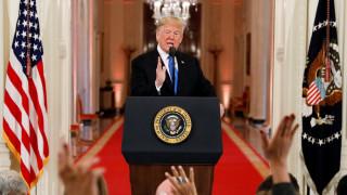 Επιμένει ο Τραμπ: Χρειαζόμαστε το τείχος στα σύνορα με το Μεξικό