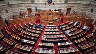 Στη Βουλή η τροπολογία για τα αναδρομικά - Ψηφίζεται την Πέμπτη