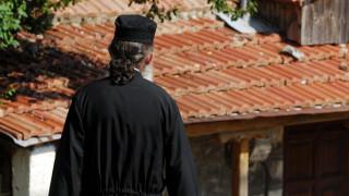 Αυτοί είναι οι μισθοί των κληρικών - Από τον Αρχιεπίσκοπο έως τον ιερέα