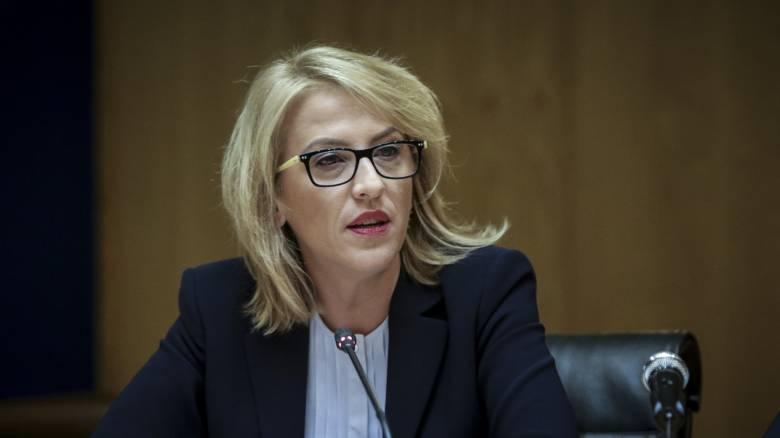 Νέα προθεσμία στη Ρένα Δούρου από τους εισαγγελείς για τη φονική πυρκαγιά στο Μάτι