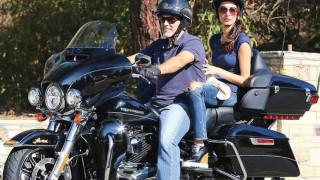 Τζορτζ Κλούνεϊ: πουλά την Harley-Davidson του για τους βετεράνους του πολέμου