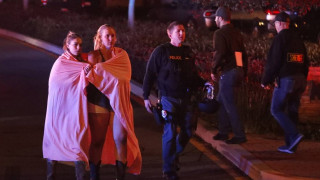 «Τρέξτε»: Συγκλονιστικό βίντεο από τη στιγμή της επίθεσης σε μπαρ στην Καλιφόρνια